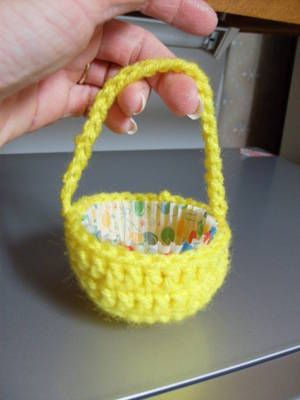 Free Crochet Pattern -Add a cupcake liner for a cupcake or treats at a party, it also make a cute little Easter basket.