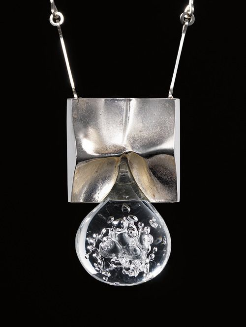 BJÖRN WECKSTRÖM, Pisaranmuoto (Big Drop) necklace, 1970. Mould-cast precious metal (sterling silver) and acrylic. Produced by Lapponia, Finland. / Phillips