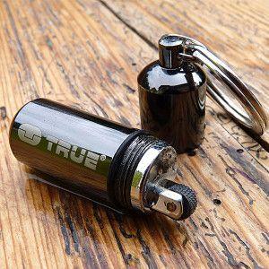 Wasserfester Schlüsselanhänger mit Feuerzeug