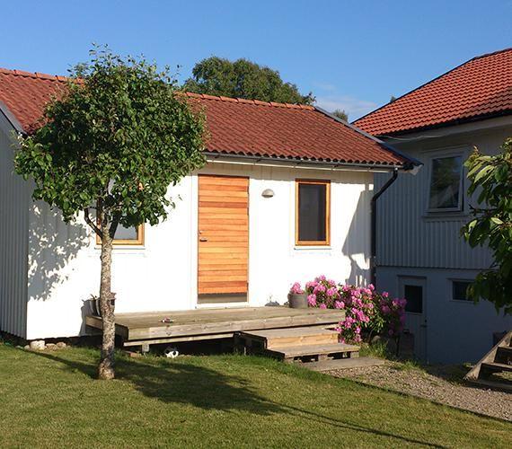 Långö i FSC-märkt Freijo, en ytterdörr som passar till både moderna och klassiska hus I Bovalls Dörrbyggeri
