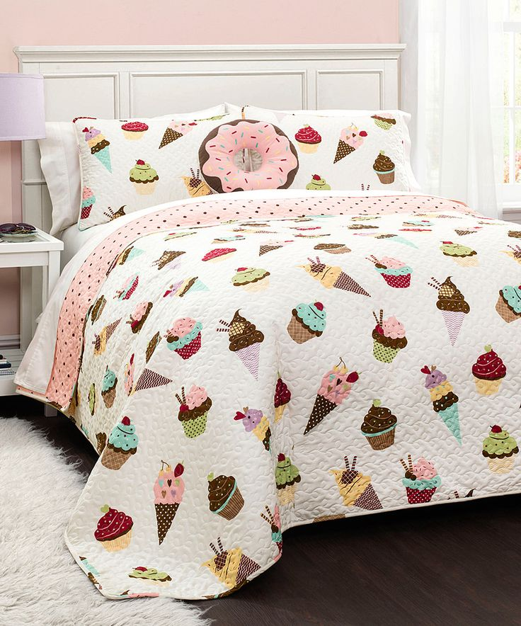 Cupcake Ice Cream Quilt Set by Lush Décor #zulily #zulilyfinds SO MUCH CUTE!! For a girl's room, college dorm, or ok for me lol