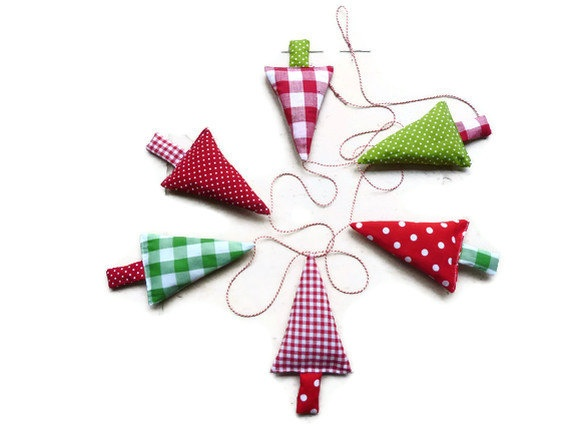 Fabric Christmas Tree Garland Banner Bunning, Pennant in green, red and white. $29.00, via Etsy.