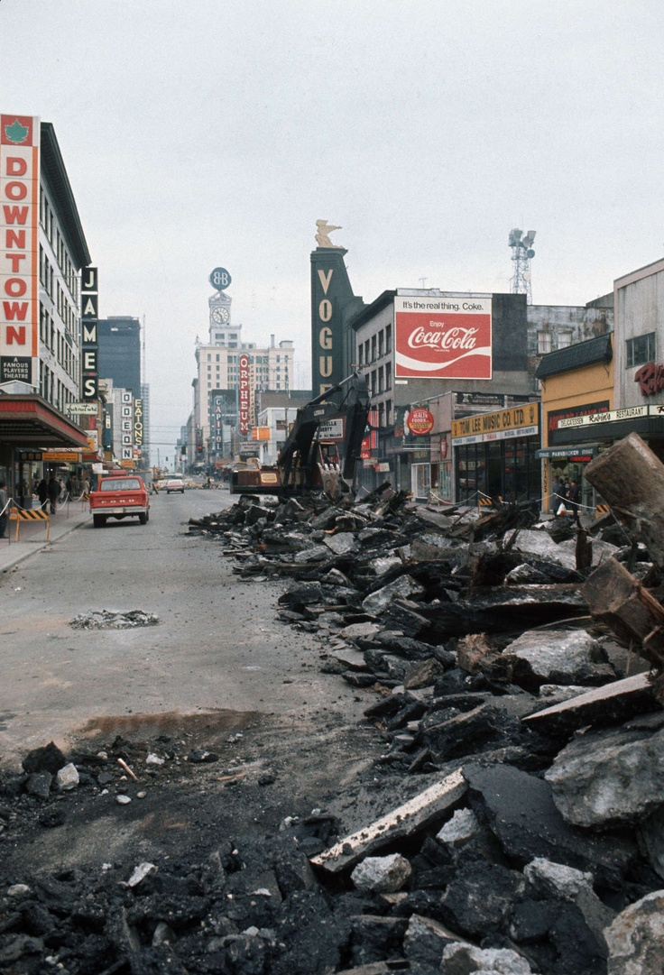 Granville Street, 1970s Source: Photo by Al Ingram, City of Vancouver Archives #800-481