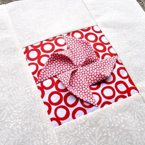 Block 22: Origami pinwheel – Textured quilt sampler | Sewn Up by TeresaDownUnder