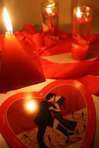 La Magie Rose ou la Magie de l'Amour La Magie Rose, autrement appelée Magie Blanche d'Amour, ne peut agir que pour le bien. Contrairement à la Magie Rouge qui impose des comportements et des sentiments à la cible, la Magie Rose agit comme un stimulateur de feelings. Le but de chaque Rituel de Magie Rose