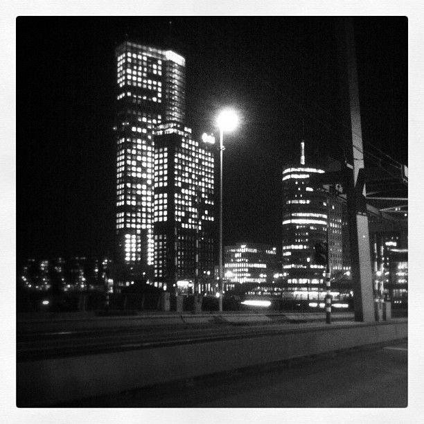 Wilhelminakade by night