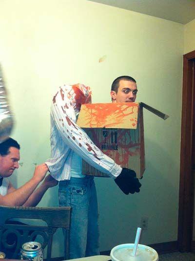 Disfraz casero de halloween para adulto original #halloween #disfraces #manualidades #diy #costumes #crafts #hombre #man #funny