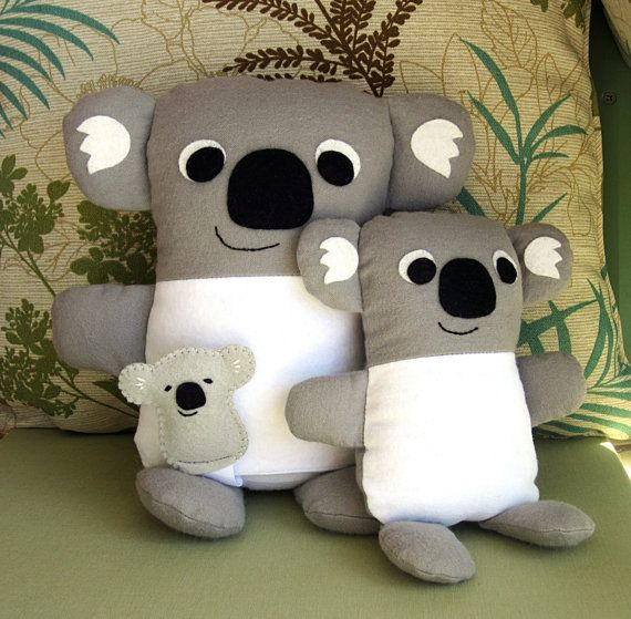 Koala Mommy and Babies Set for my friends down under. PDF sewing pattern available with instant download on Etsy. Mom has optional pouch that tiny felt baby can fit into. Or make a smaller version of Mommy.