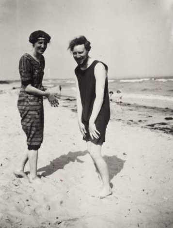 Virginia Woolf and Clive Bell at the beach. Virginia beach, Virginia. SOO COOL!