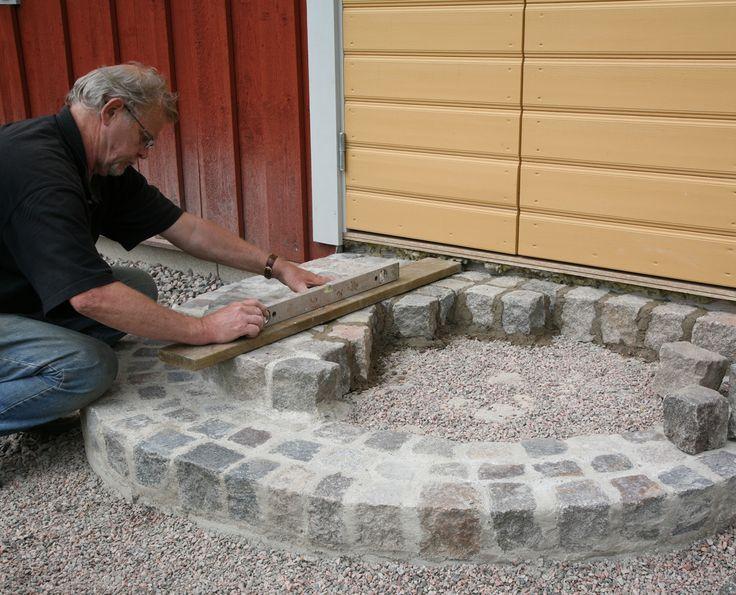 Pappa murar stentrappa av gatsten | FINRUM