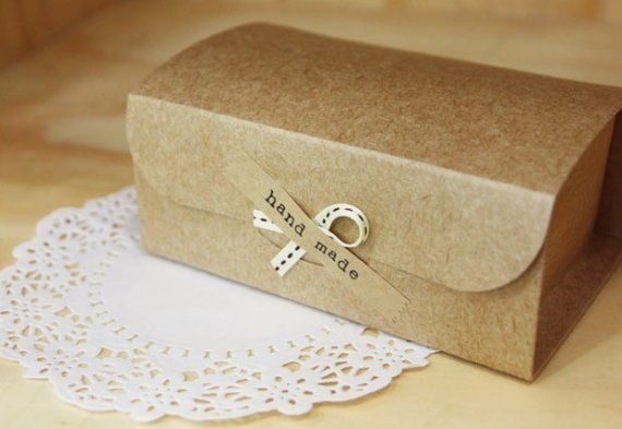 Natural Kraft Arched DIY Boxes 14.6x9 with HANDMADE Label, set of 4, U1056. $4,50, via Etsy.