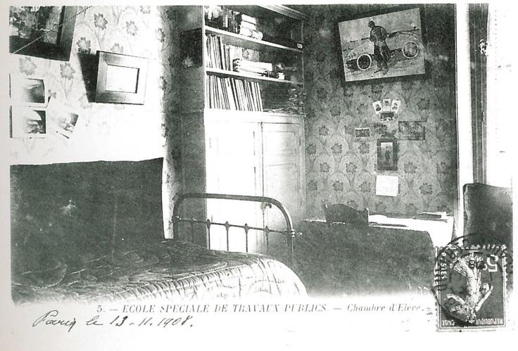 Carte postale - Maison de famille : chambre d'élève (1908)