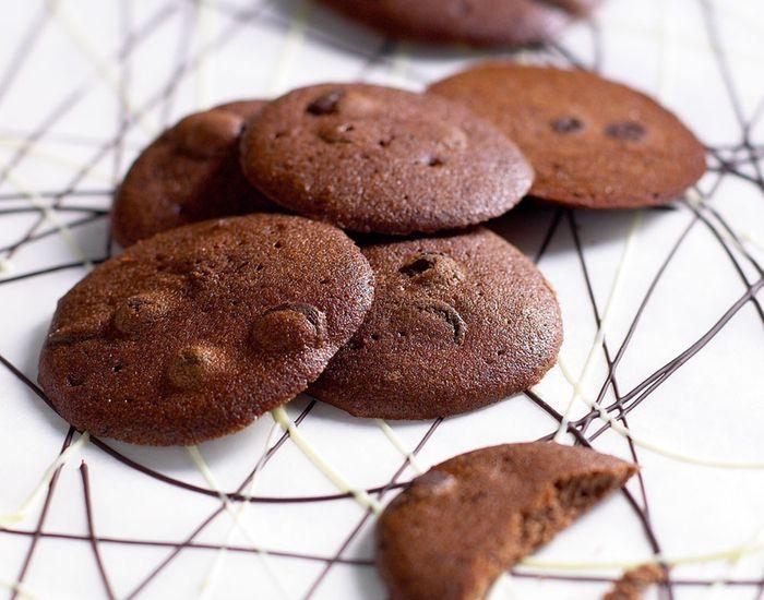 Ikke nok med at chokolade smager fantastisk, så indeholder det sunde stoffer, som øger blodets indhold af HDL-kolesterol, og fungere som antioxidanter!