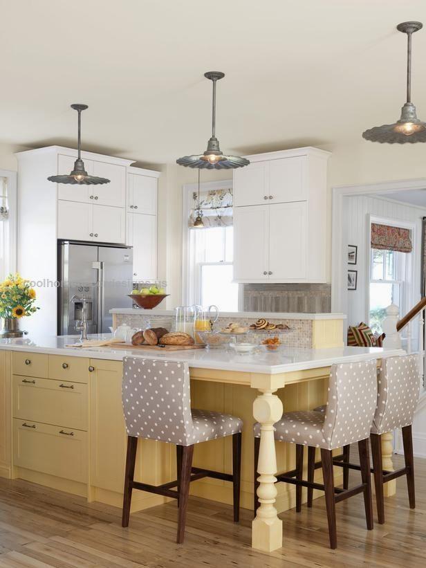 Sarah Richardson's Kitchen Design Recipes  Sarah Richardson's Kitchen Design: This island is a real workhorse. It has lots of prep surface, a wraparound counter that seats three, deep drawe ..  http://www.coolhomedecordesigns.us/2017/06/18/sarah-richardsons-kitchen-design-recipes/