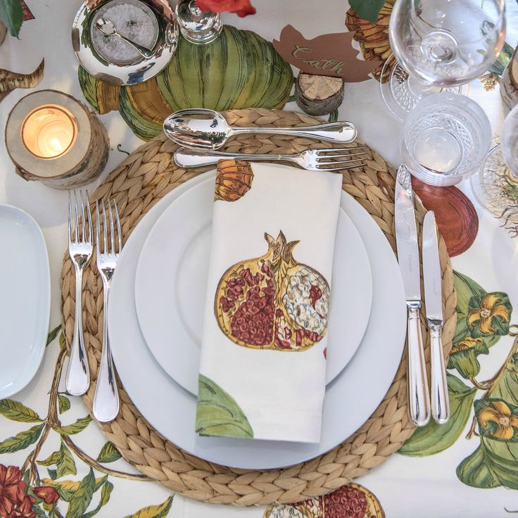 Simple Rustic Autumn Table Setting Ideas for Dinner Parties and Wedding Reception Inspiration – Gorgeous fall leaves and red, orange, yellow and maroon roses and floral centerpieces combine to create a magnificent tablescape. This would be perfect for Thanksgiving and holiday entertaining instead of cliché pumpkins and turkeys.