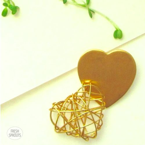 Gold hearts with Alfalfa sprouts FreshSprouts.dk