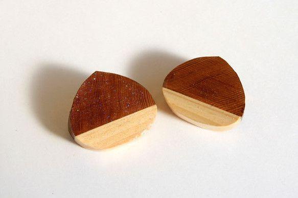 ※ 1個のお値段です。 ※一つ一つ手作業のため個体差がございます。 ※個体は選べません。【作品の特徴】木製のブローチです。寄せ木をクリの形に削り出し、 ピカピ...|ハンドメイド、手作り、手仕事品の通販・販売・購入ならCreema。