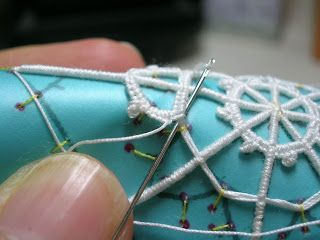 Dentelles d'abord: Tutorial: needle lace geometric (Mantle) Part Four