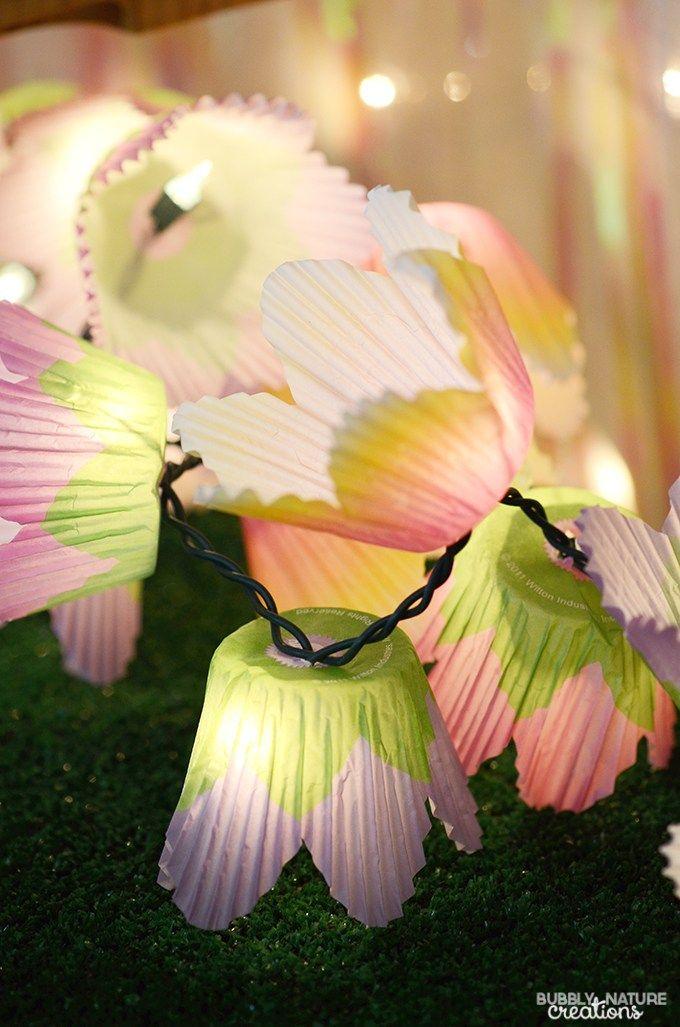 Sistema de luces hechos con porta cupcakes de papel para liluminar tu cumpleaños de Hadas.