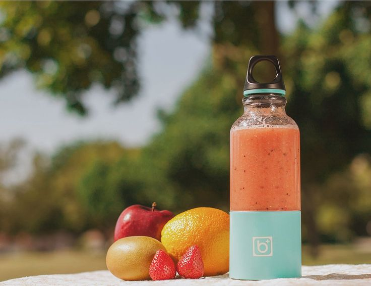 Self Blending Juicer Cup » The loop cap makes it a highly portable device too.