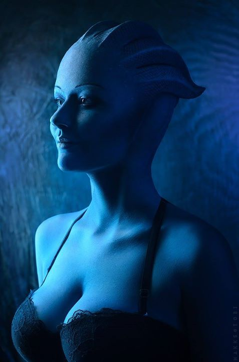 Liara T'Soni from Mass Effect Cosplayer Instagram.com ekaterina_fr photo by makks tobi #cosplayclass #cosplay