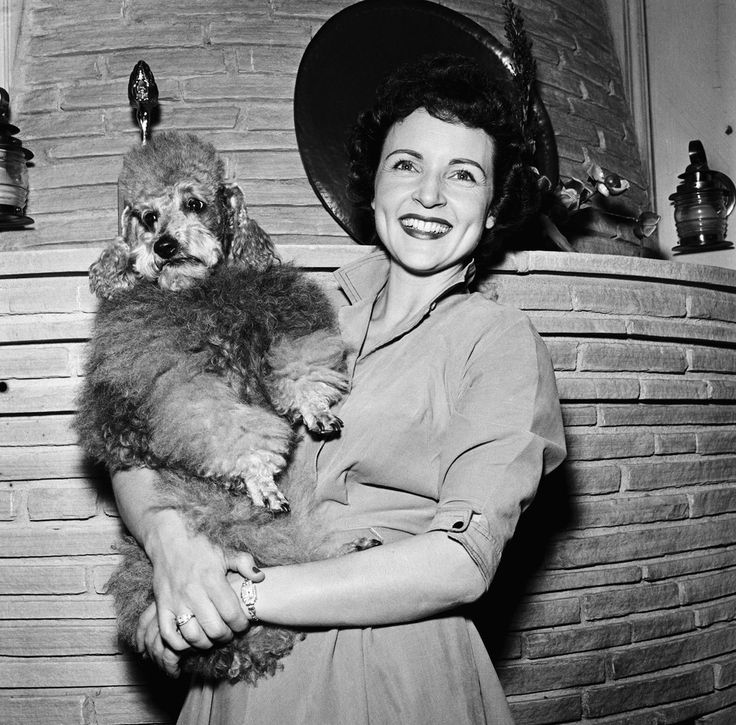 35 Fabulous Vintage Pics Of Betty White, In Honor Of Her 92nd Birthday (PHOTOS)