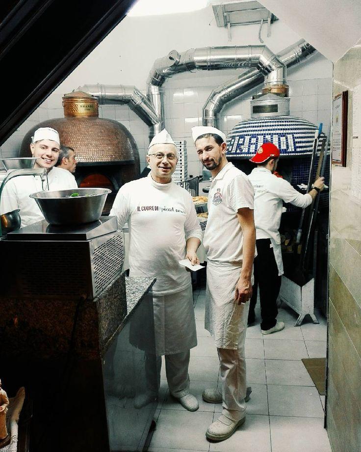 Nella patria della #pizza #margherita #pizzeriabrandi #napoli #igersnapoli #italianfood #naples