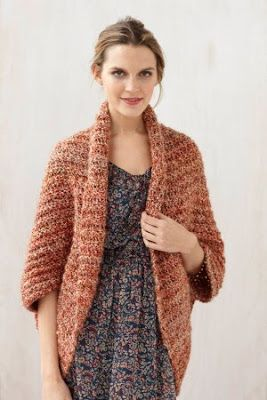 Idéias de padrão de encolher de ombros de casulo de crochê