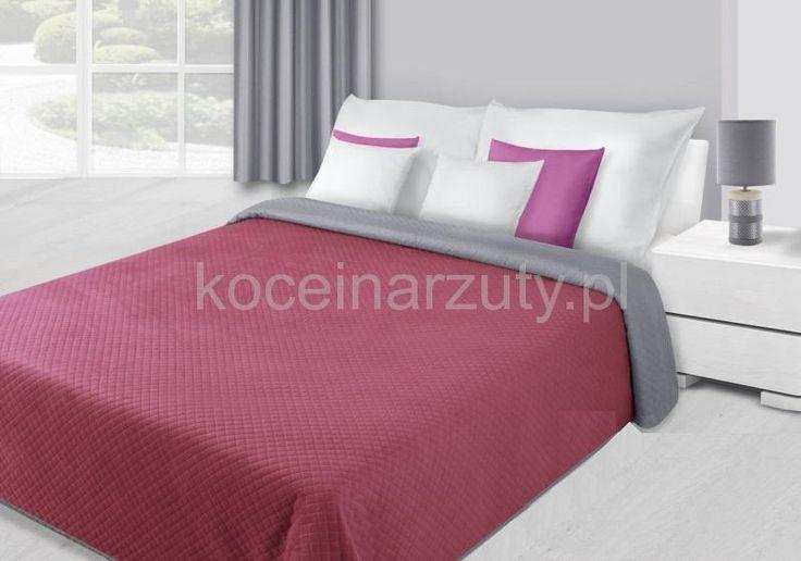 Amarantowa narzuta dwustronna pluszowa na łóżko