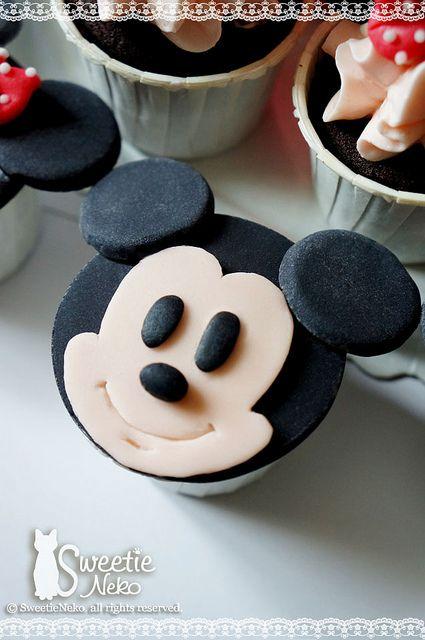 Mickey 2D cupcake | Flickr - Photo Sharing!