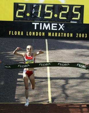 Paula Radcliffe sets new world record at 2003 London Marathon!