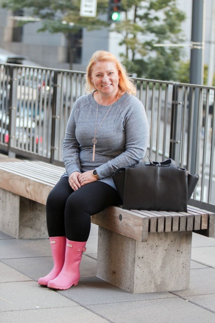 57735a88e How to Wear Short Pink Hunter Rain Boots | Simply {Darr}ling | Pink ...