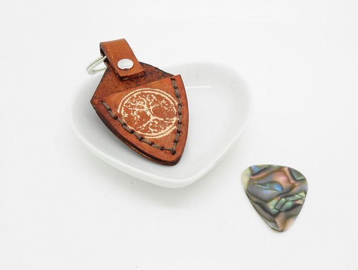 porte clés artisanal en cuir pour médiator arbre