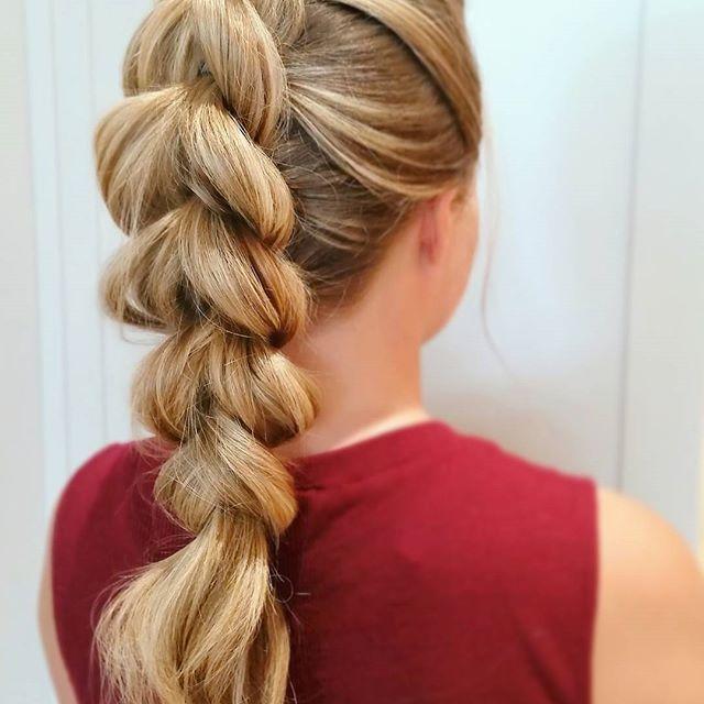 Pull-through braid, a fun look for the holidays!👌#theblowoutbar #thebridebar #updo #upstyle #romantic #modernsalon #behindthechair #beyondtheponytail #beauty #kevinmurphy #picoftheday #aseenincolumbus #614 #wedding  #holidayhair #bridalhair #elegant #hair #bridesmaid #bridebook #longhairdontcare #ighair #hairinspo #braids #braidideas #braided