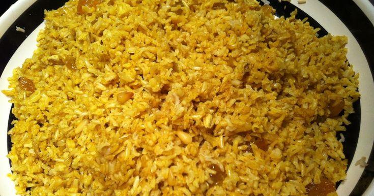 Disse ris fungerer som tilbehør til indiske retter, eller som selvstændig ret, tilsat stegt kylling, lam eller okse.    Stegte ris til 4 ...
