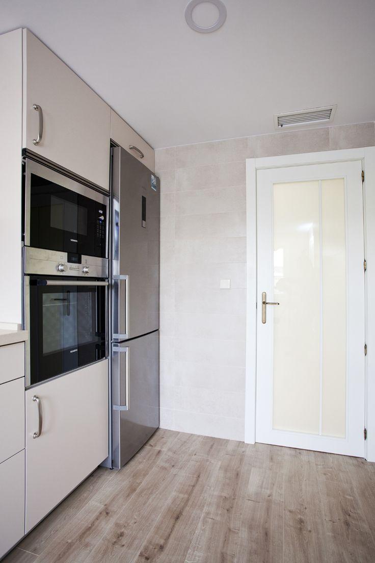 en esta cocina creamos un ambiente con un toque nostlgico al poner la baldosa hidrulica en