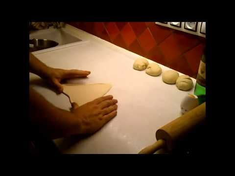 rohliky, long rolls, shaping, tvarovani