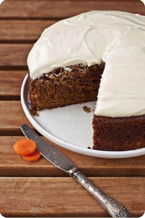 Морковный торт    У меня зачастую бывает так - в кондитерских по всему миру,в различных журналах про еду,в кулинарных блогах явстречаю какой-нибудь десерт,ну просто…