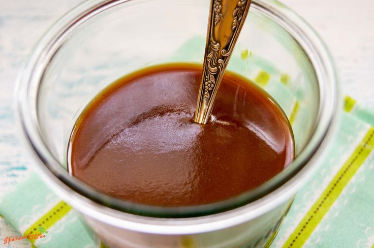 Die perfekte Karamell Soße findet ihr hier in diesem Rezept. Sie ist super einfach selber zu machen, schmeckt super zu z.B. Apfel Stäbchen.