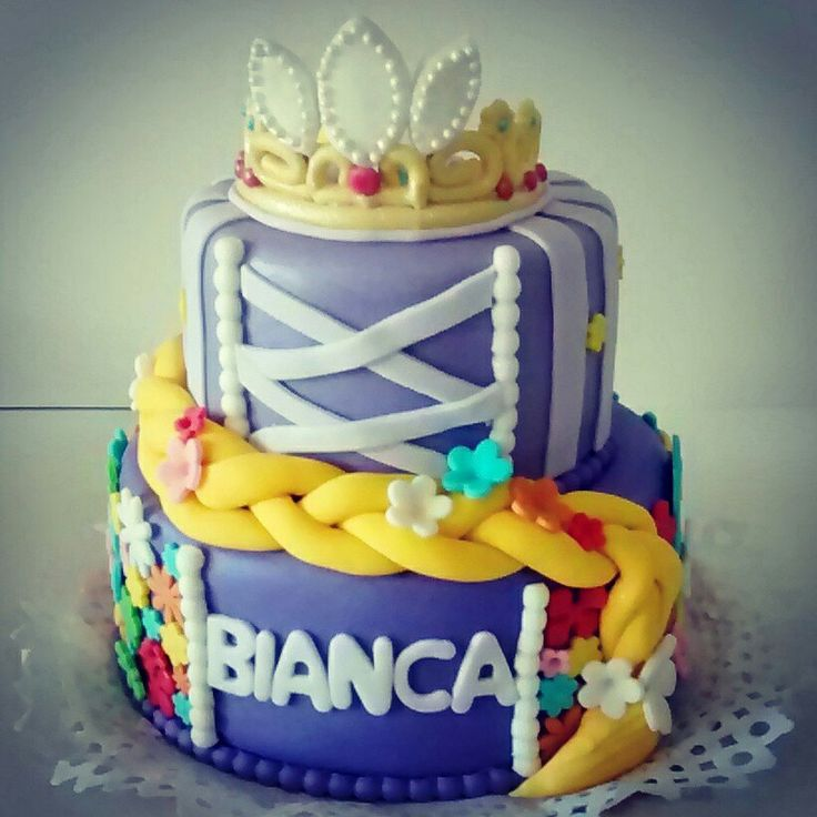 Torta de #Rapunzel #Tangled #cake #RomaSweetreat #Princes