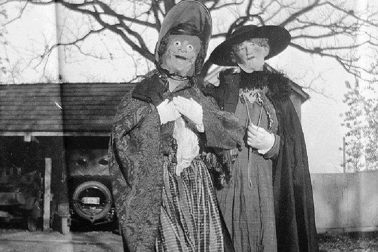 As 35 fotos de fantasias antigas e assustadoras de Halloween