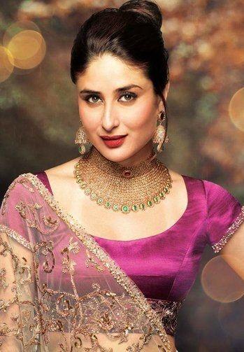#elegant #kareenakapoorkhan ♥  #lehenga #neckpiece #earrings #makeup  #perfect ♥♥