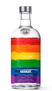vinjournalen.se -   : Absolut Rainbow lanseras till Pridefestivalen |  Absolut Rainbow är en ny specialdesignad flaska med regnbågens färger målade med penseldrag direkt på flaskan och den kommer att lanseras i samband med Stockholm Pride 2017 (31/7 – 6/8). Absolut Vodkas engagemang för HBTQ-samhället grundlades redan under 1980-talet i New York. Det är andra... http://vinjournalen.giellemme.com/okategoriserade/absolut-rainbow-lanseras-till-pridefestivalen/