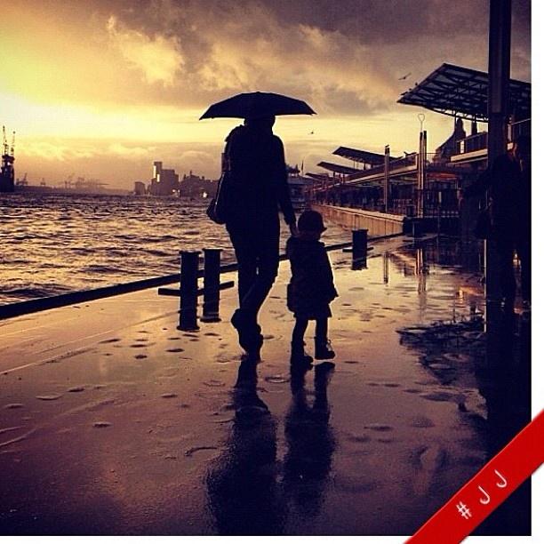 Über 2300 <3 für mein Hafenregenfoto. Das erfreut die Lichtbildkünstlerin :)    Mehr in der Galerie: http://instacanv.as/shamani/