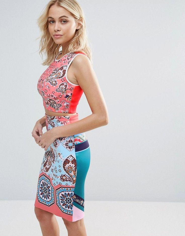 CLOVER CANYON MODERN PAISLEY CROP TOP - MULTI. #clovercanyon #cloth #