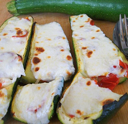 Cheesy Stuffed Zucchini - easy side dish with just a few ingredients.  #recipe