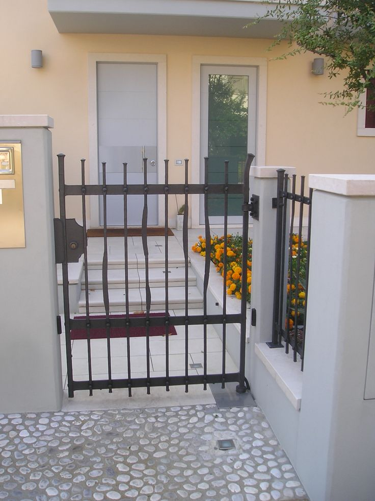 Dettaglio ingresso / Entrance detail