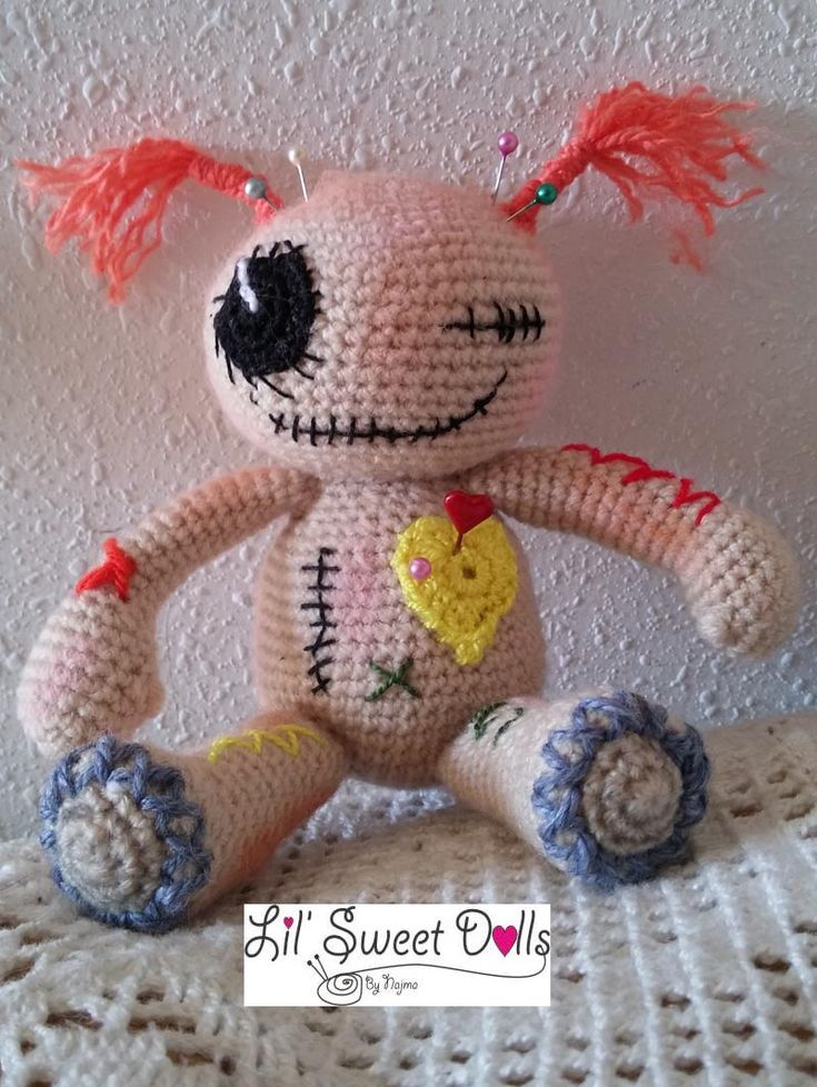 muñeca crochet voodoo doll ganchillo                                                                                                                                                                                 Más