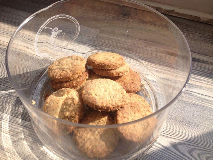 Sablés des près/ shortbread with grains - Recipe from lasupersuperette.com