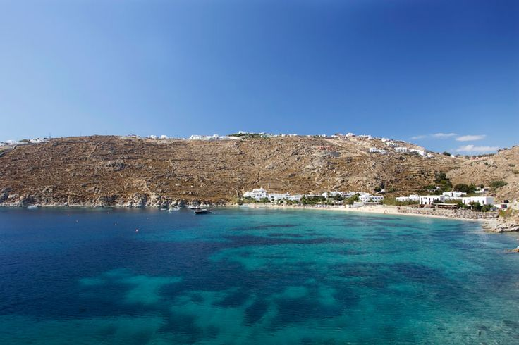 #MyconianTip: Famous for attracting celebrities and wannabes from all over the world, idyllic Psarou Beach, is a pristine beach with fine white sand and clear, turquoise waters.  What is your favourite Mykonos' Beach?